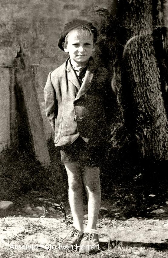 meet 9aba7 caeee Moda Come si Vestivano i Bambini di Casalgrande dal 1900 in ...